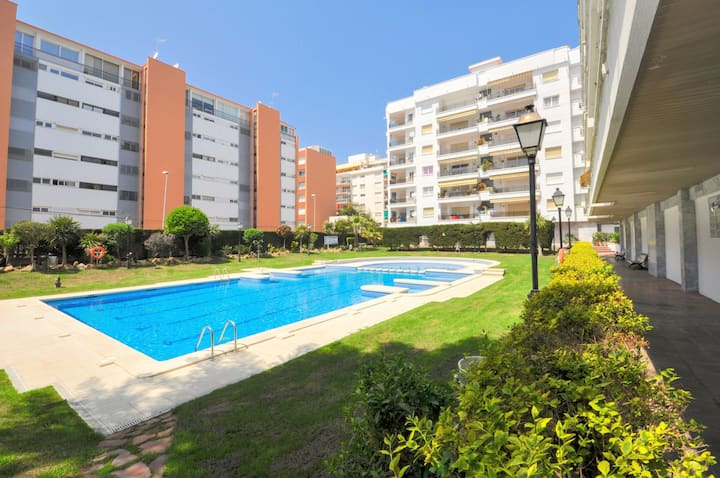 Cozy apartment Bellisimo, 100m from the sea, 2 bedrooms, large terrace