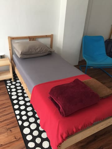 cozy common room @ farrer park mrt - Singapour - Maison