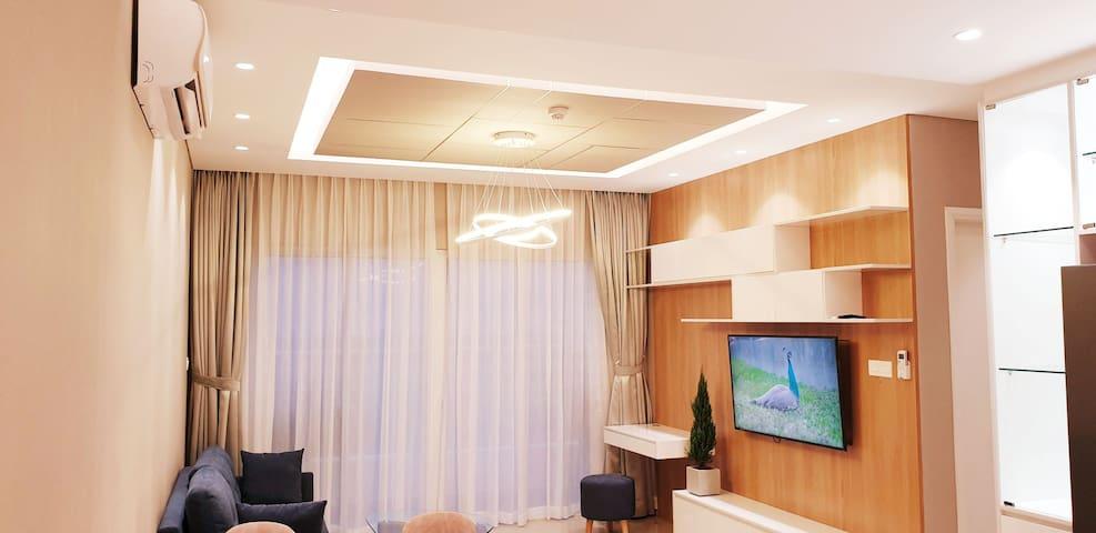 Apart. 94.5m2, Dist.7 HCM, 800$/m, full furniture
