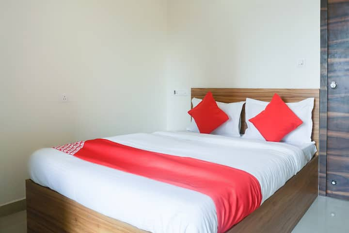 OYO-1 BR Wonderful Stay In Kharadi Pune