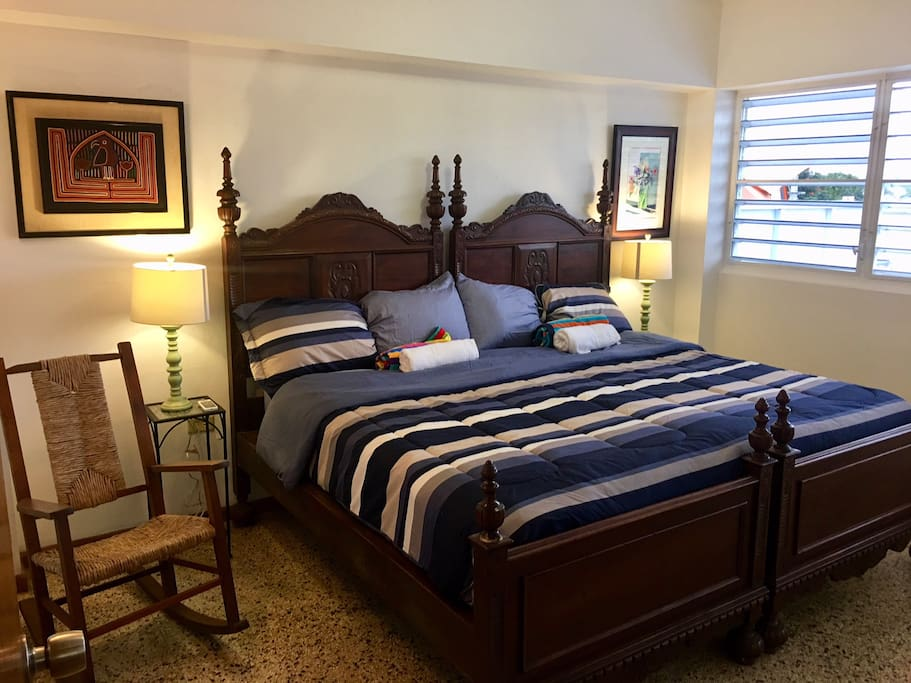 Master bedroom, king-sized bed. A/C.
