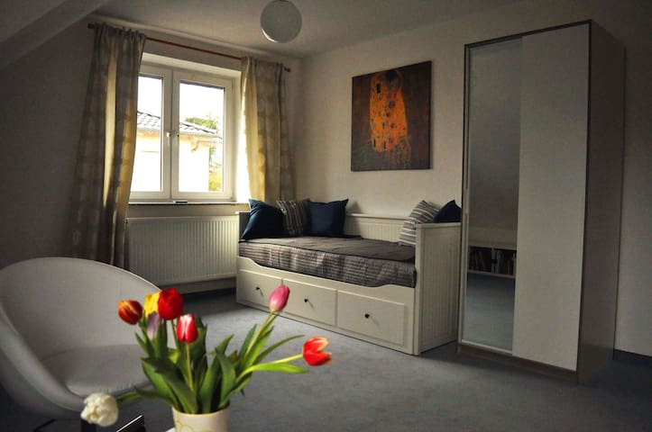 Fair Hannover 5 Min, 2P,WiFi,quiet, house, garden - ลาต์เซน - บ้าน