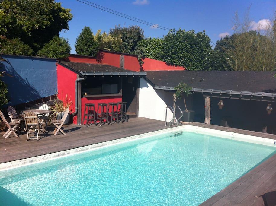 piscine avec bar