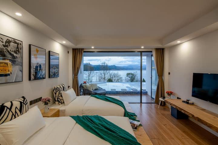 喂海鸟·天空之境·水池双床房·萌宠艾瑞·环湖路上·免费接送站·躺床上看湖景日出·免费接送站·可停车