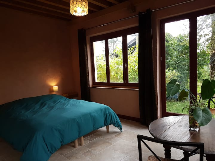 A l'Atelier 2 / Bed and Breakfast / Vézelay