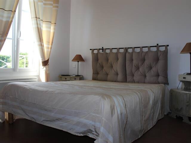 Double room-Comfort-Private Bathroom-Garden View-UTAH