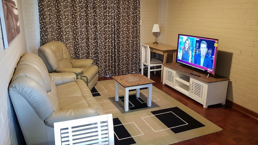 1 Bedroom, FREE WiFi, nbn, Close to City (11)