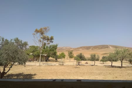 2Bdr | Peaceful Farm ★ Amazing Desert View ★