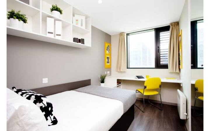 Modern Ensuite Student Only Rooms - Wembley Park
