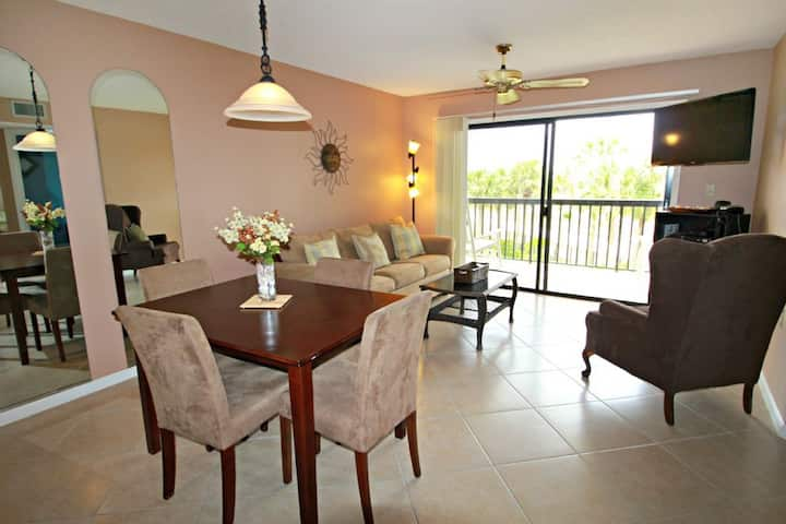 Pet Friendly and Walk to the Beach! - Ocean Village Club C35