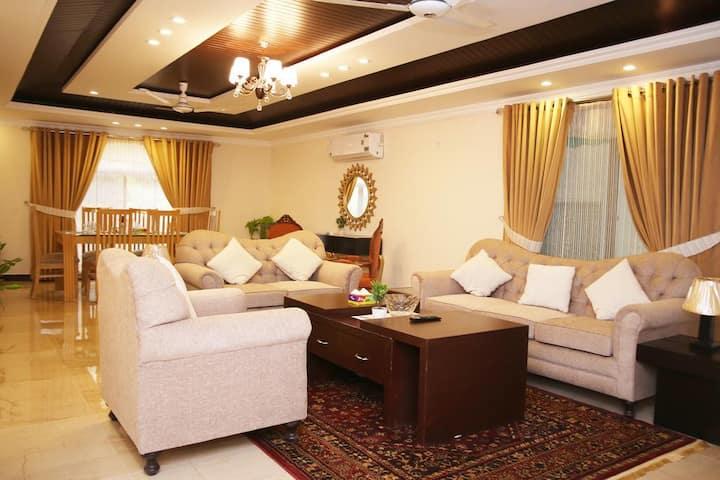 Luxurious 2 Bed Apartments Long Term Rentals only