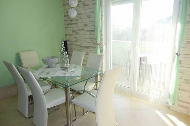 Luxory new place,well-appointed,near city centar - Pula - Apartment