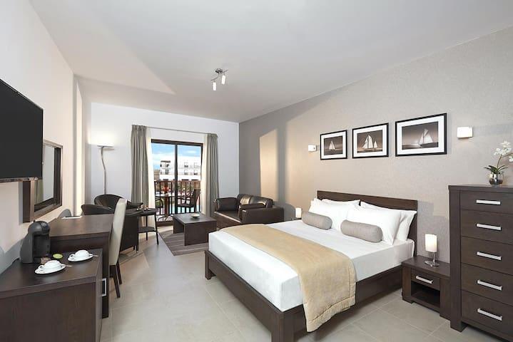 CV Holidays- Dunas Beach Resort Suite