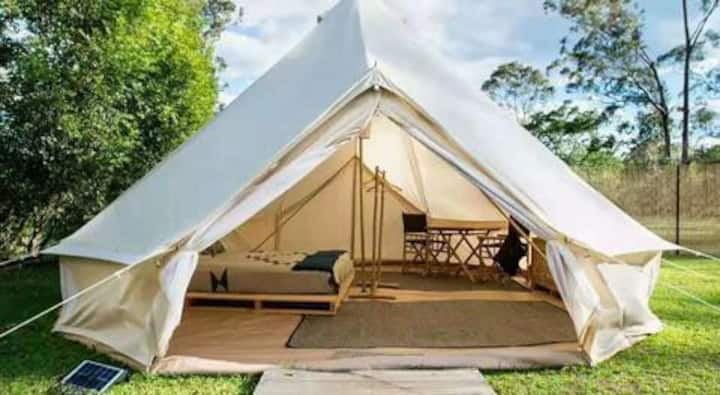 Asheville Farm Glamping - off grid KING BED
