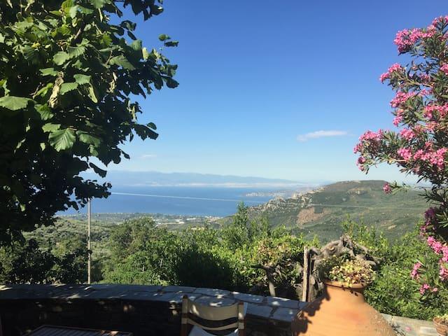 Agios Lavrentios MOUNTAIN SEA-VIEW HOME - Magnesia Prefecture - Hus