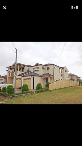 House for rent short term in school holiday