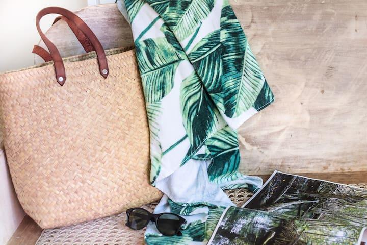 Beach bag & beach towel