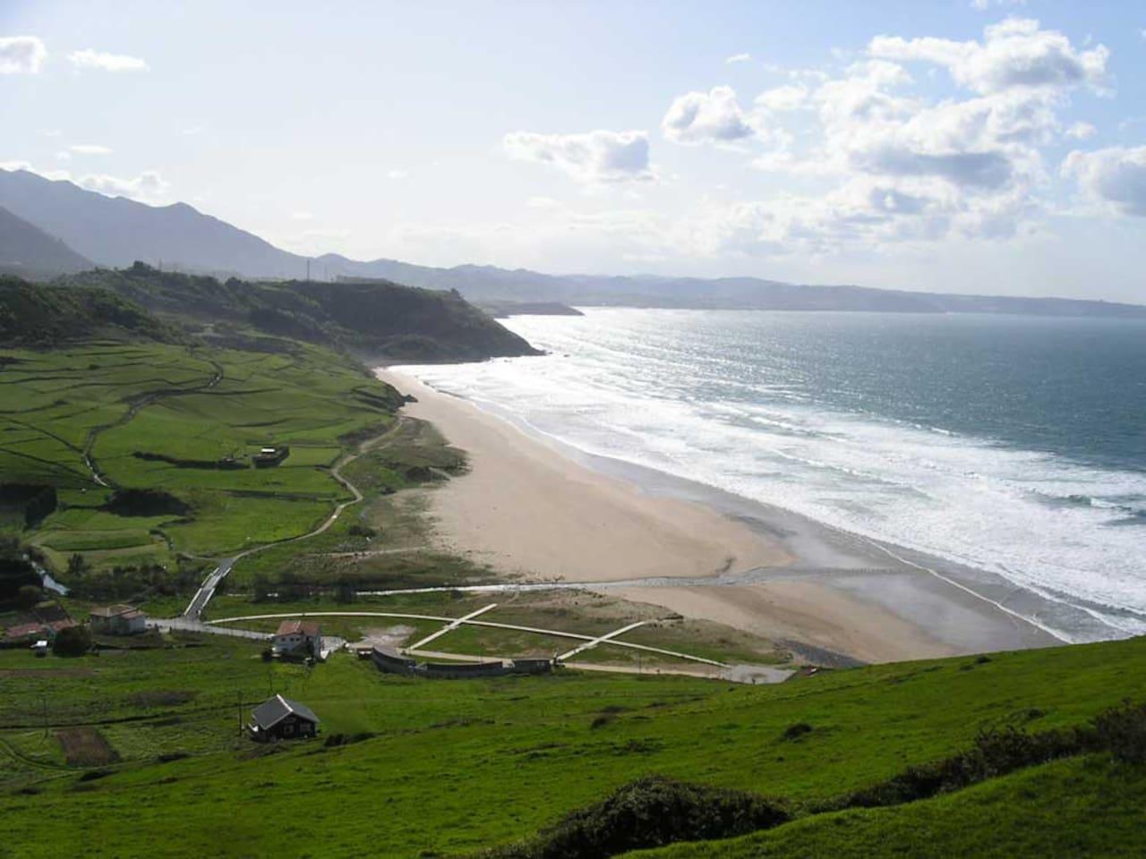 Playa de Vega a 200 m. de la casa