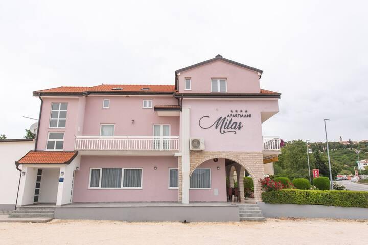 Pretty Apartment in Imotski close to River