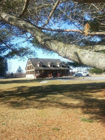 Chalet-Style Country Serenity - Wendover - House