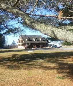 Chalet-Style Country Serenity - Wendover - Talo