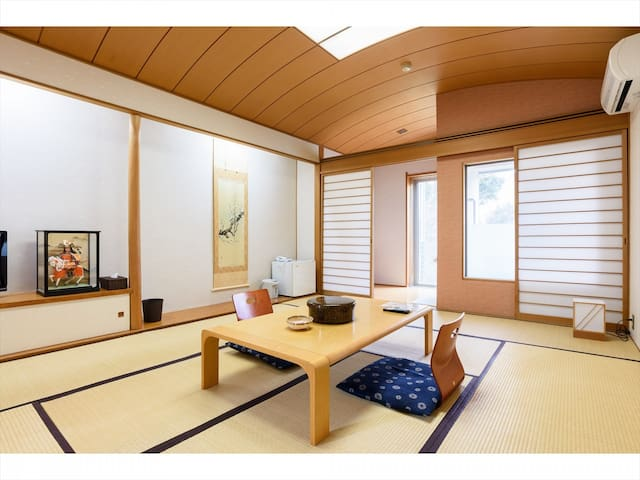 Private hot-spring in japanese tatami room