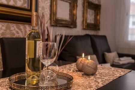 Gold Small Apartment - บาร์เซโลนา