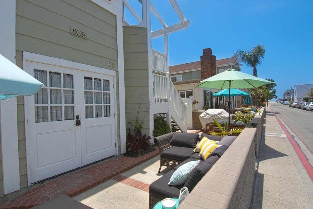 Patio and distance to the beach