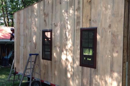 Tiny House on the Beaver River - Heathcote  - Casa