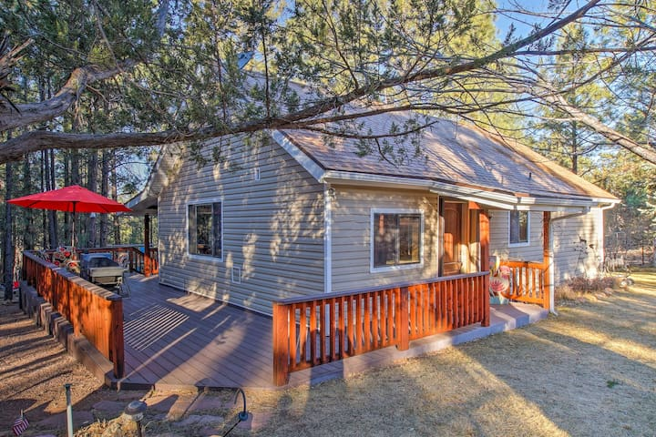 NEW! 3BR Heber-Overgaard Cabin by National Forest!