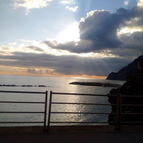 XX Street - Monterosso al Mare