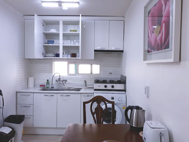 Notting Hill 5 minutes on foot from Osan Airbase