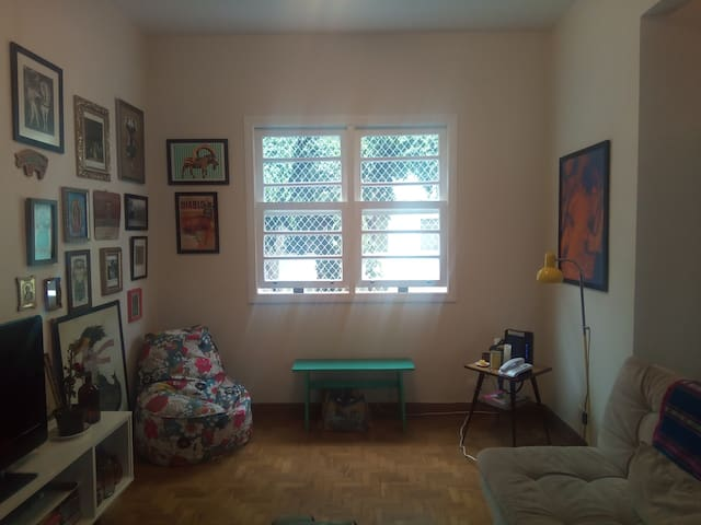 cozy room in the most charming flat in Bom Retiro