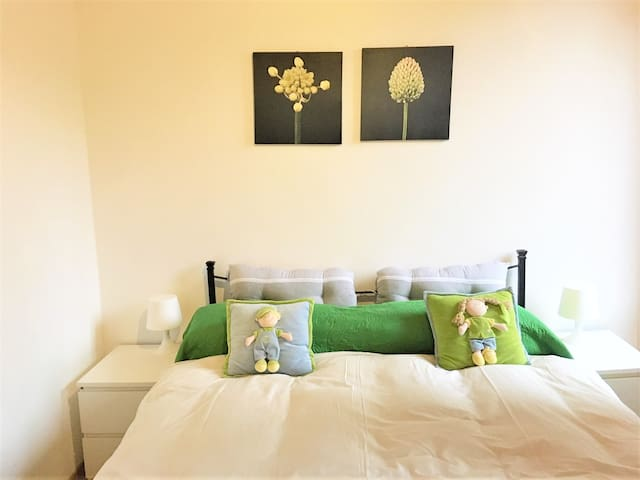 DOUBLE ROOM WITH A PRIVATE BATHROOM, OWN ENTRANCE