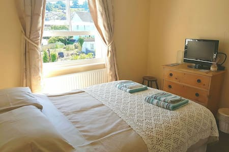 Double bedroom in Colyton - Colyton, England, GB