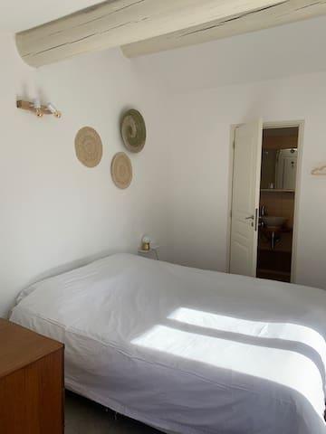 Chambre Jeanne, avec vue, salle de bain attenante