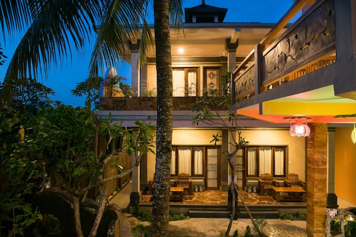 Luxurious homestay with low price at Bulan Bali