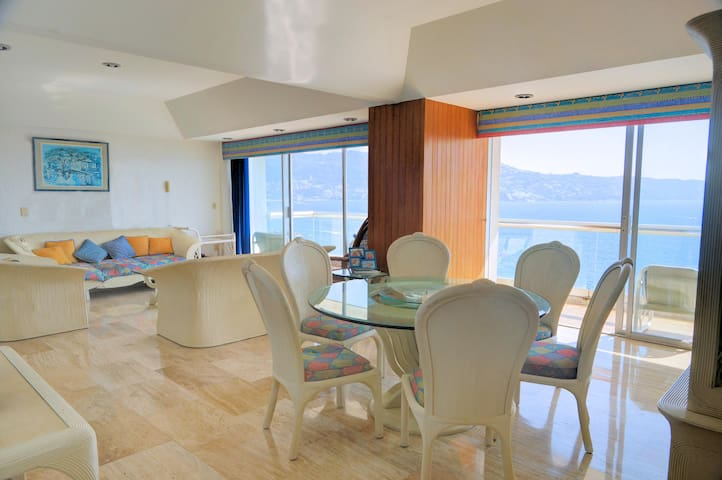 Acapulco wonderful oceanfront location & view - Acapulco - Apartment
