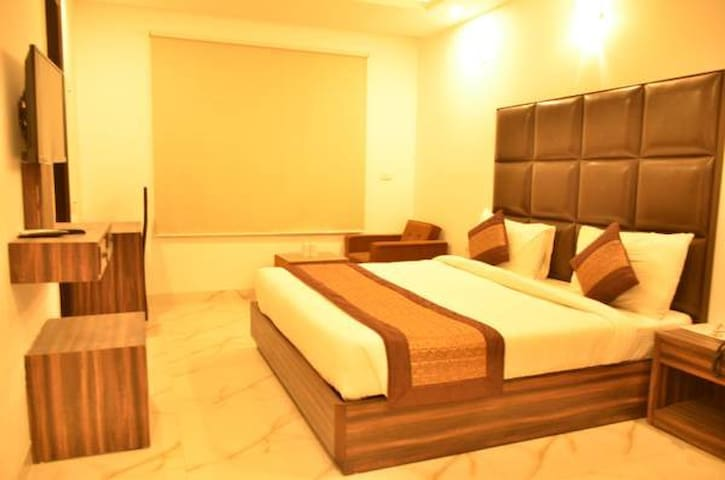 Aamara near Airport ( Affordable Price)