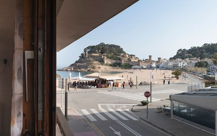APARTMENT CLOSE to the BEACH in TOSSA