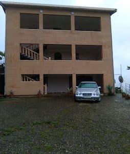 Этаж в частном доме в пригороде - Khelvachauri