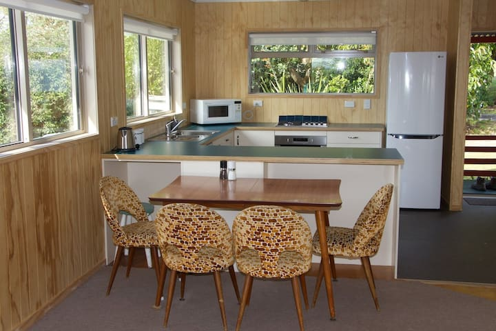 Bright, airy house, near beaches. - Maketu, Te Puke - Dom