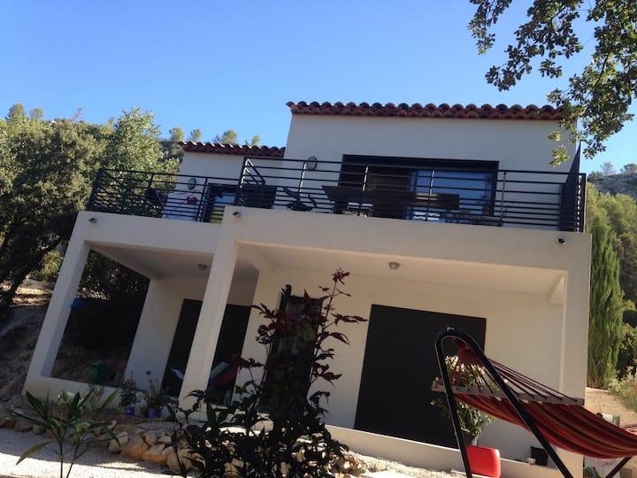 Villa indépendante au calme en Provence