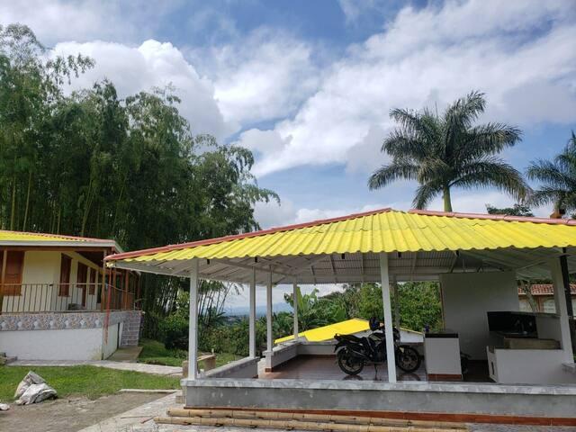 Casa campestre, ambiente familiar y tranquilo