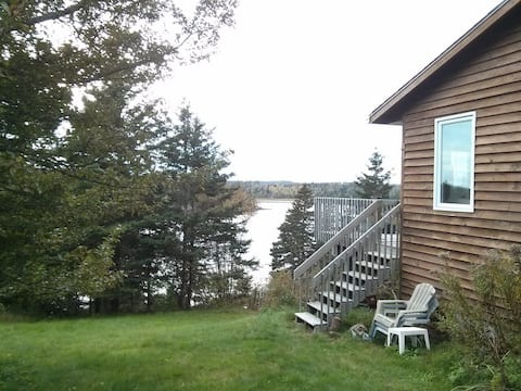 Cottage on water w panoramic tidal & sunset views.