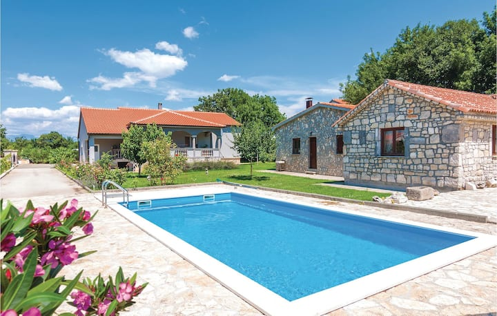 Stunning home in Zadar with WiFi and 3 Bedrooms
