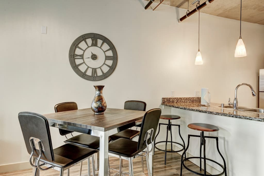 Dining Room at Premier Lofts by Stay Alfred