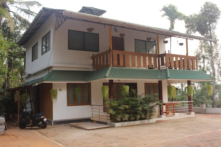 Globetrotting Holidays Inn  @ Vythiri