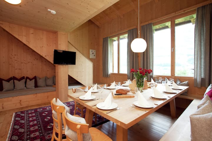 Grand Apartment in Mayrhofen with Infrared Sauna & Artistic Interiors