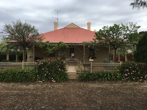 Temora Old world charm